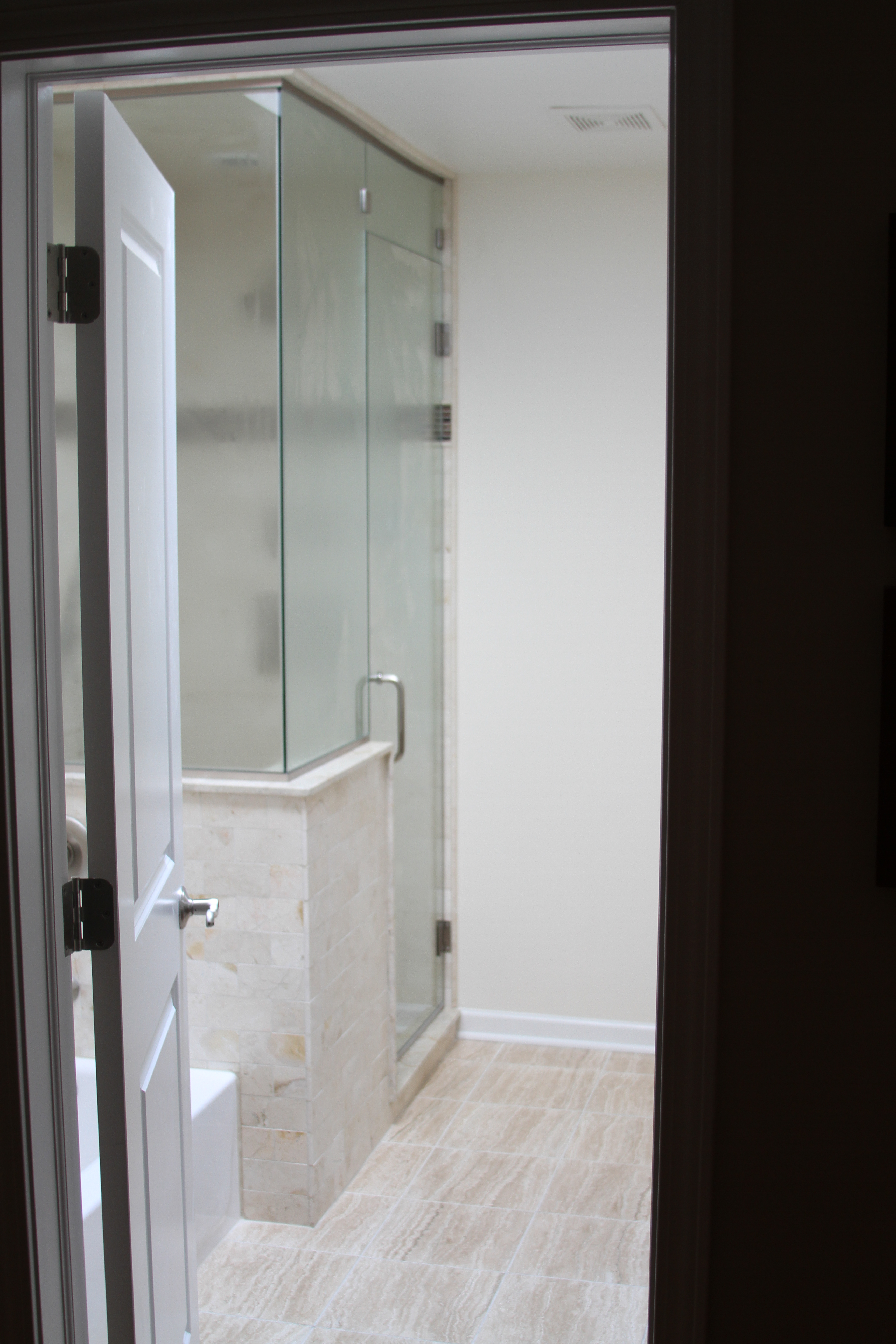Bathroom design remodeling services chicago lakeview for Examples of bathroom remodels